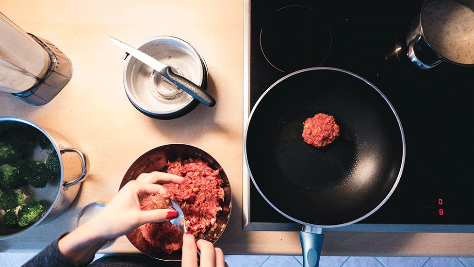 foodiesfeed.com_frying-ground-beef-burger-meat.png